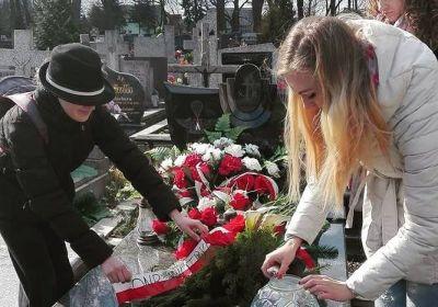 c_400_280_16777215_00_images_2017-03-26-dzien-przyjazni-polsko-wegierskiej-piotrkow.jpg