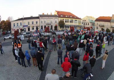 c_400_280_16777215_00_images_news_2015-10-10-sieradz-manifestacja.jpg