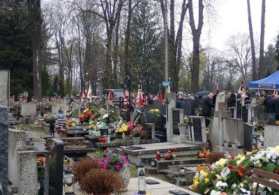 c_400_280_16777215_00_images_news_2016-04-12-pogrzeb4.jpg