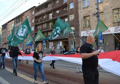 c_400_280_16777215_00_images_news_2016-05-30-marsz-rotmistrza-Pileckiego-dz.jpg